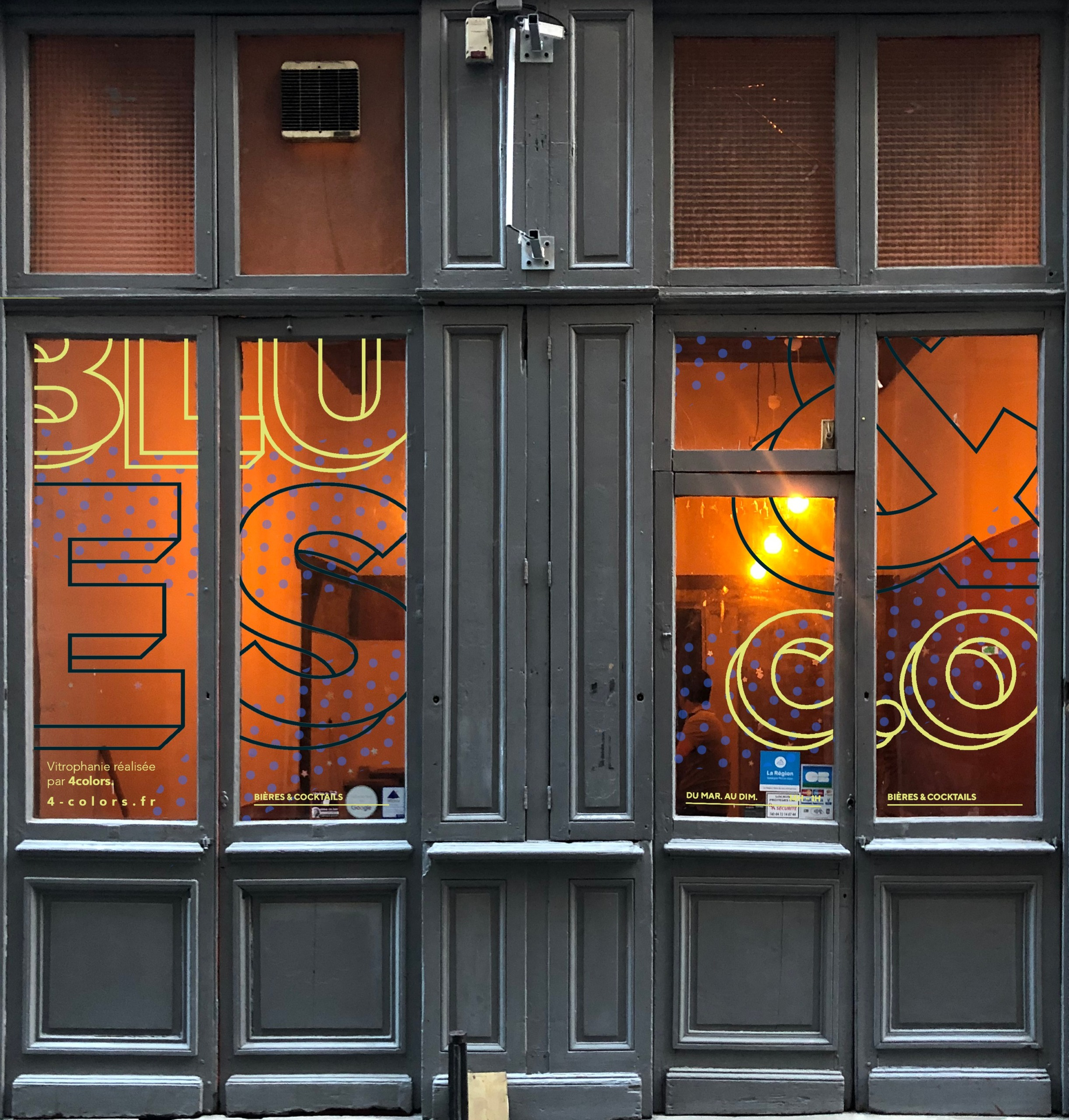 Vitrophanie adhésive bar Lyon