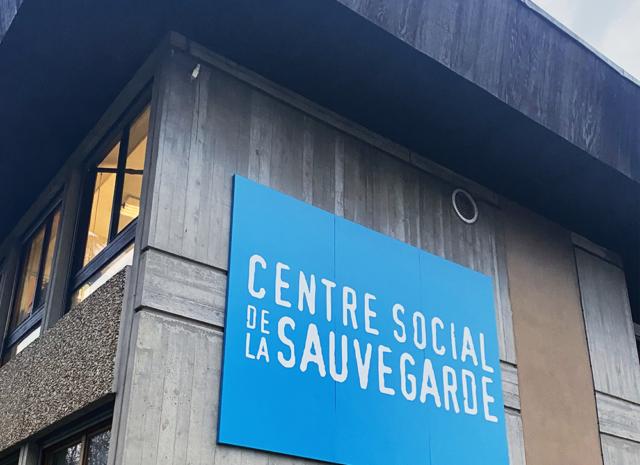 Fabrication et pose d'enseigne et signalétique extérieure, centre social de la sauvegarde Lyon