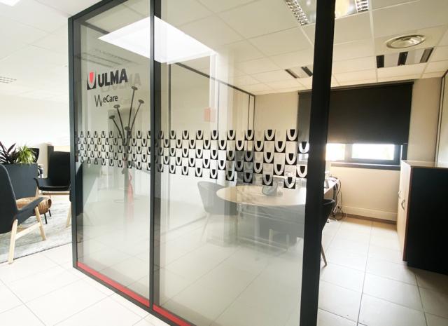 Création et pose de vitrophanie dépoli dégradé pour bureau Lyon
