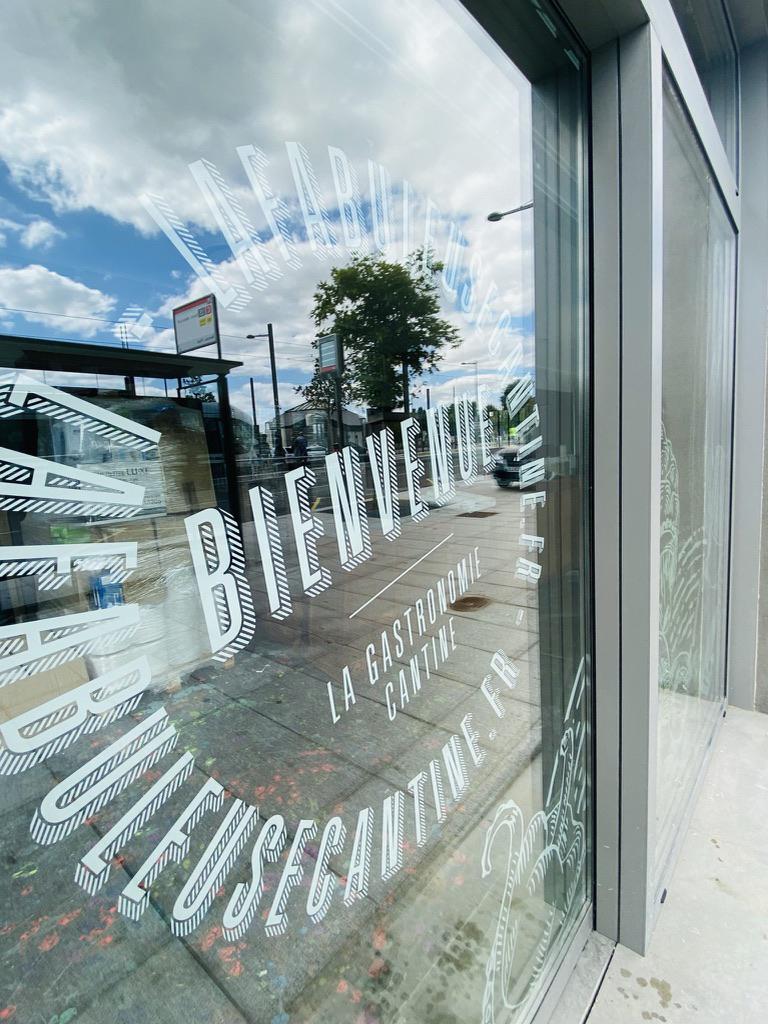 Vitrophanie vitrine restaurant lyon 8 Les Fabuleuses Cantines