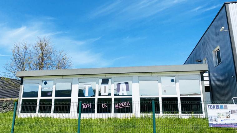 Vitrophanie en impression découpe pour TDA Saint-Etienne
